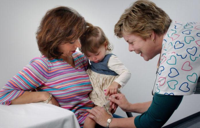 Пугающее число американцев откажутся от вакцины от коронавируса, когда она будет доступна
