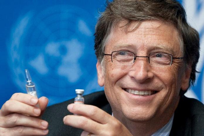 Билл Гейтс ответил на теории о чипировании через вакцину